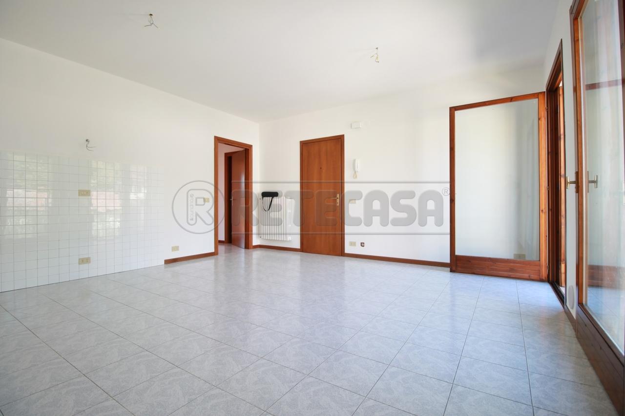 Appartamento in vendita a Montebello Vicentino, 5 locali, prezzo € 123.000 | CambioCasa.it