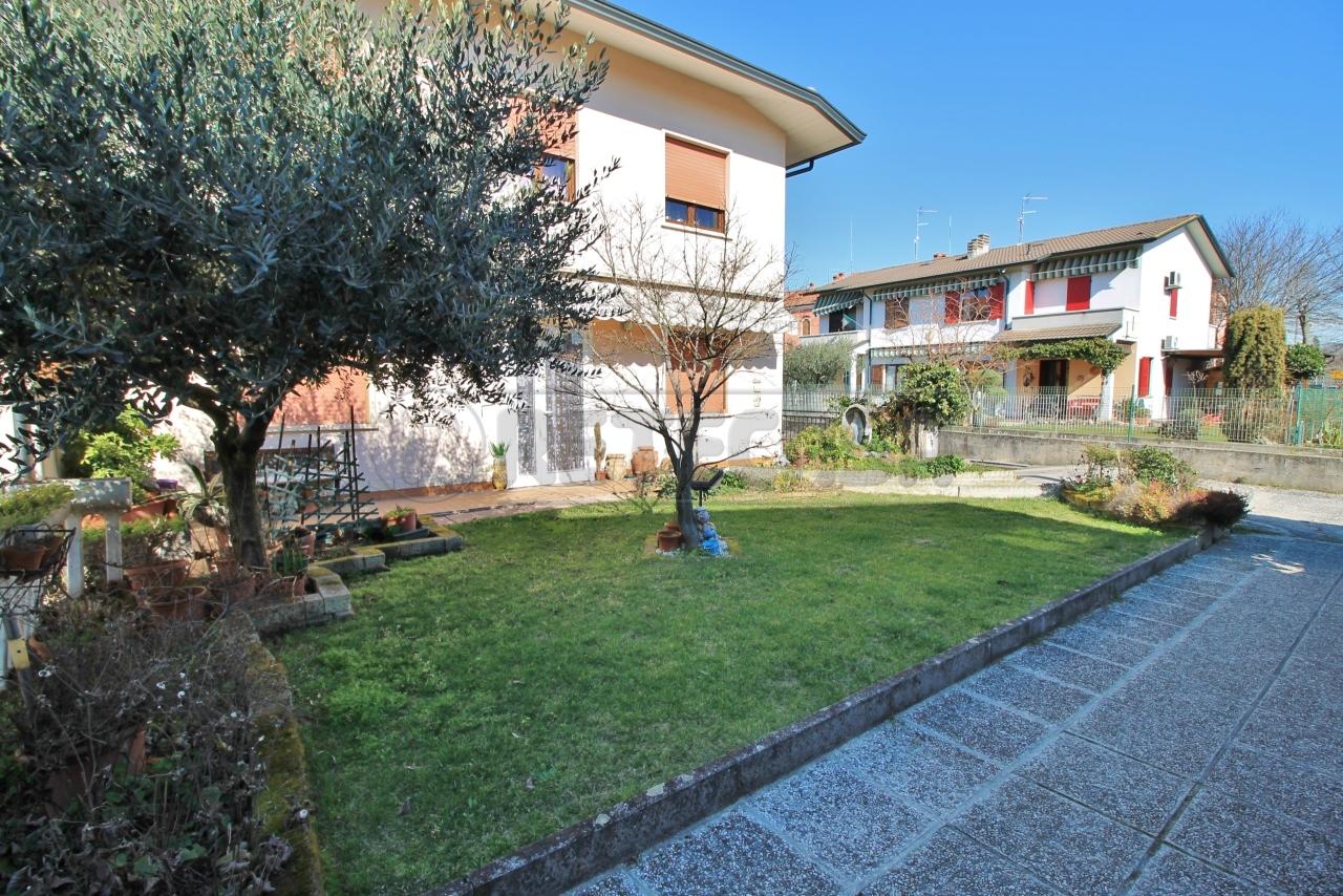 Appartamento in vendita a Montebello Vicentino, 7 locali, prezzo € 180.000 | CambioCasa.it