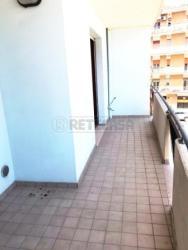 Trilocale in Vendita a Pescara, zona PORTA NUOVA, 135'000€, 80 m², arredato, con Box