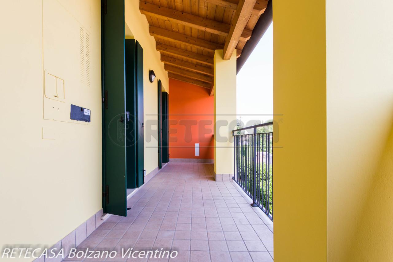 Appartamento in buone condizioni in vendita Rif. 7447596