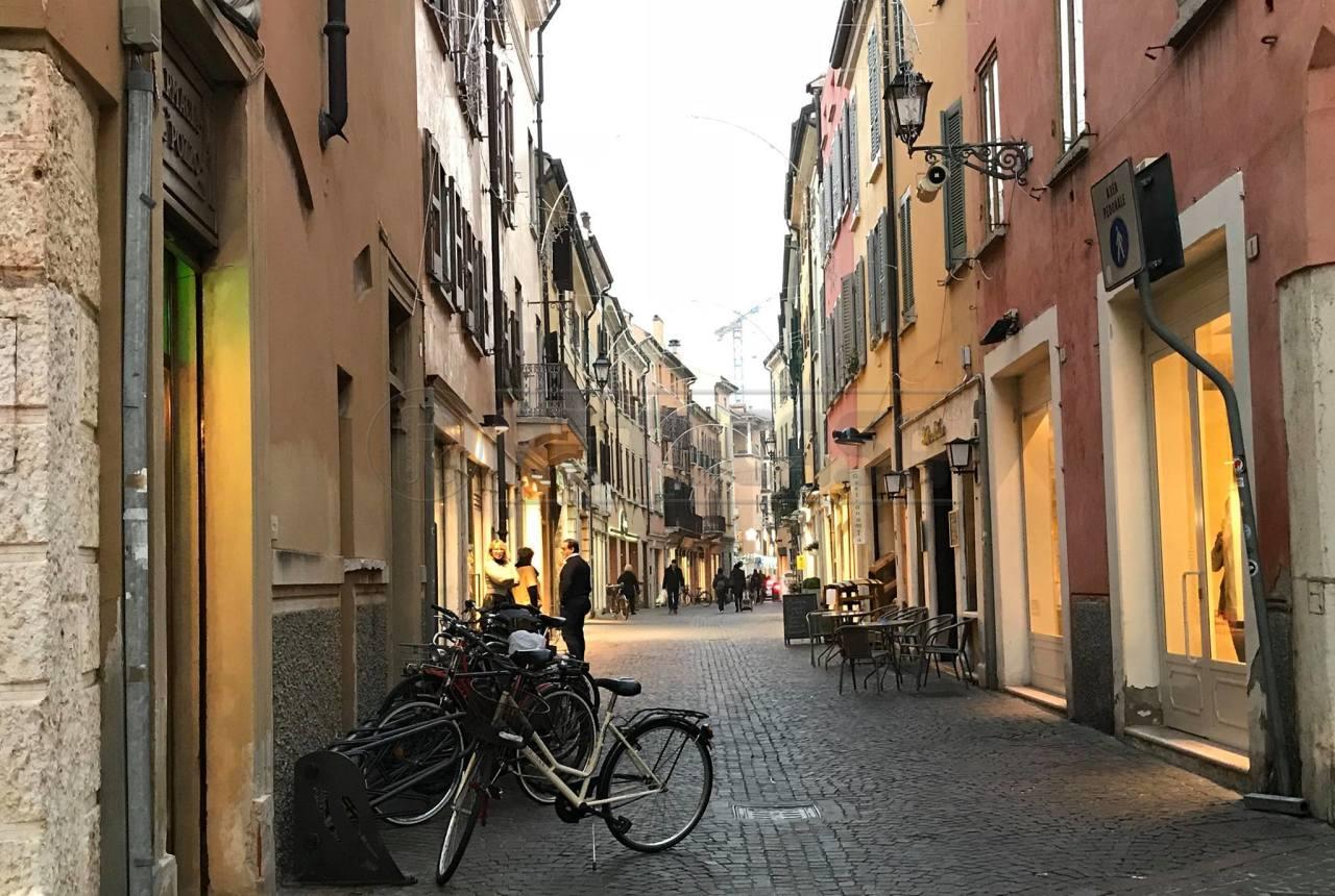 Commerciale - Negozio+magazzino a Centro Storico, Mantova Rif. 10538087