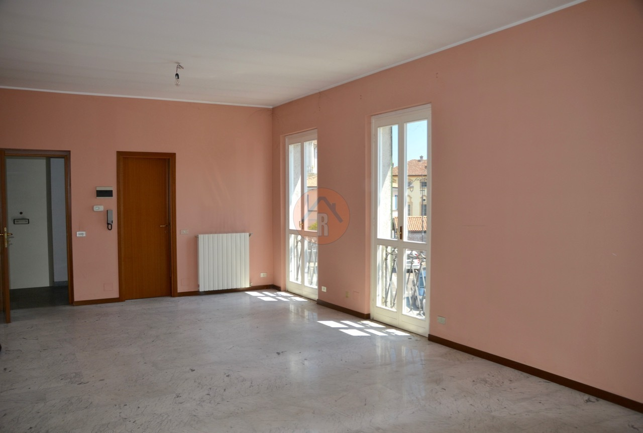 Ufficio / Studio in vendita a Cava Manara, 2 locali, prezzo € 98.000 | PortaleAgenzieImmobiliari.it