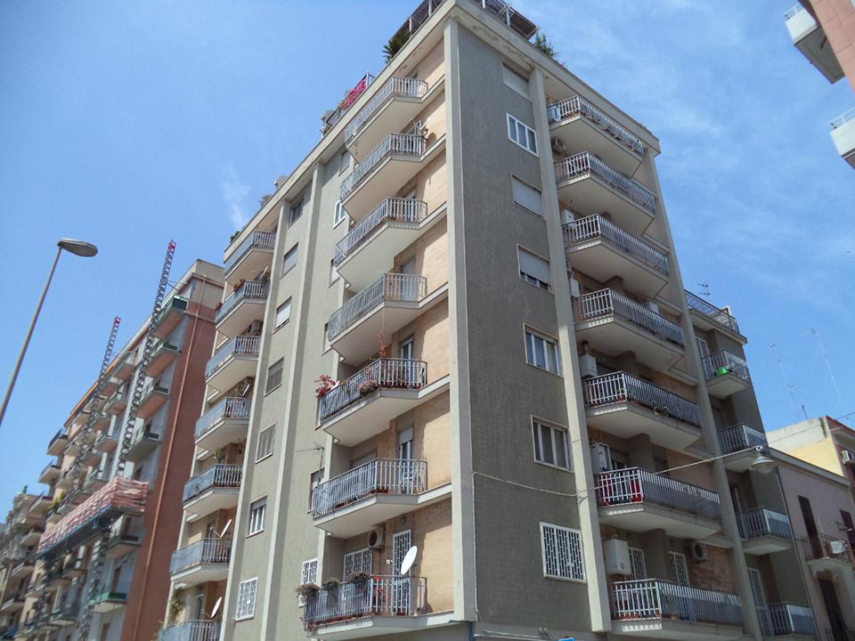 Appartamento in buone condizioni in affitto Rif. 10994315