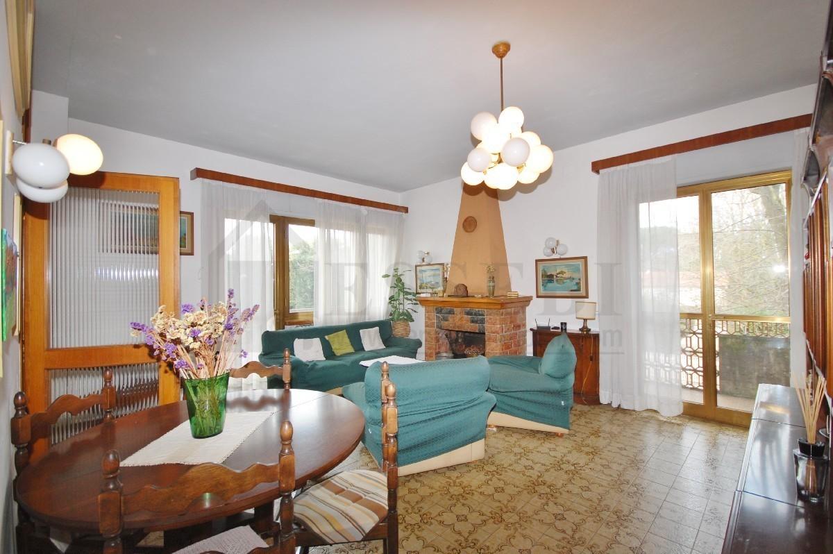 Appartamento in vendita a Pietrasanta, 5 locali, prezzo € 380.000 | PortaleAgenzieImmobiliari.it