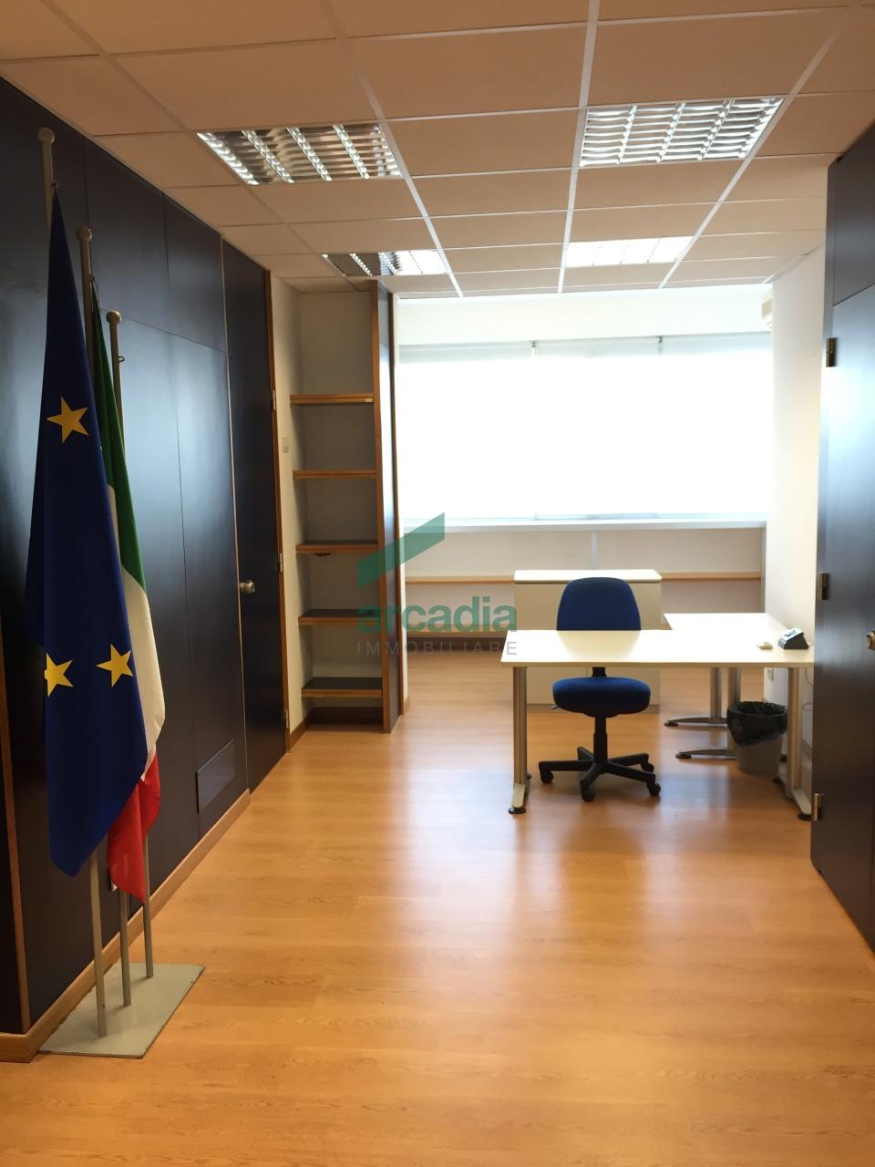 Ufficio - pentalocale a Picone, Bari Rif. 10466018