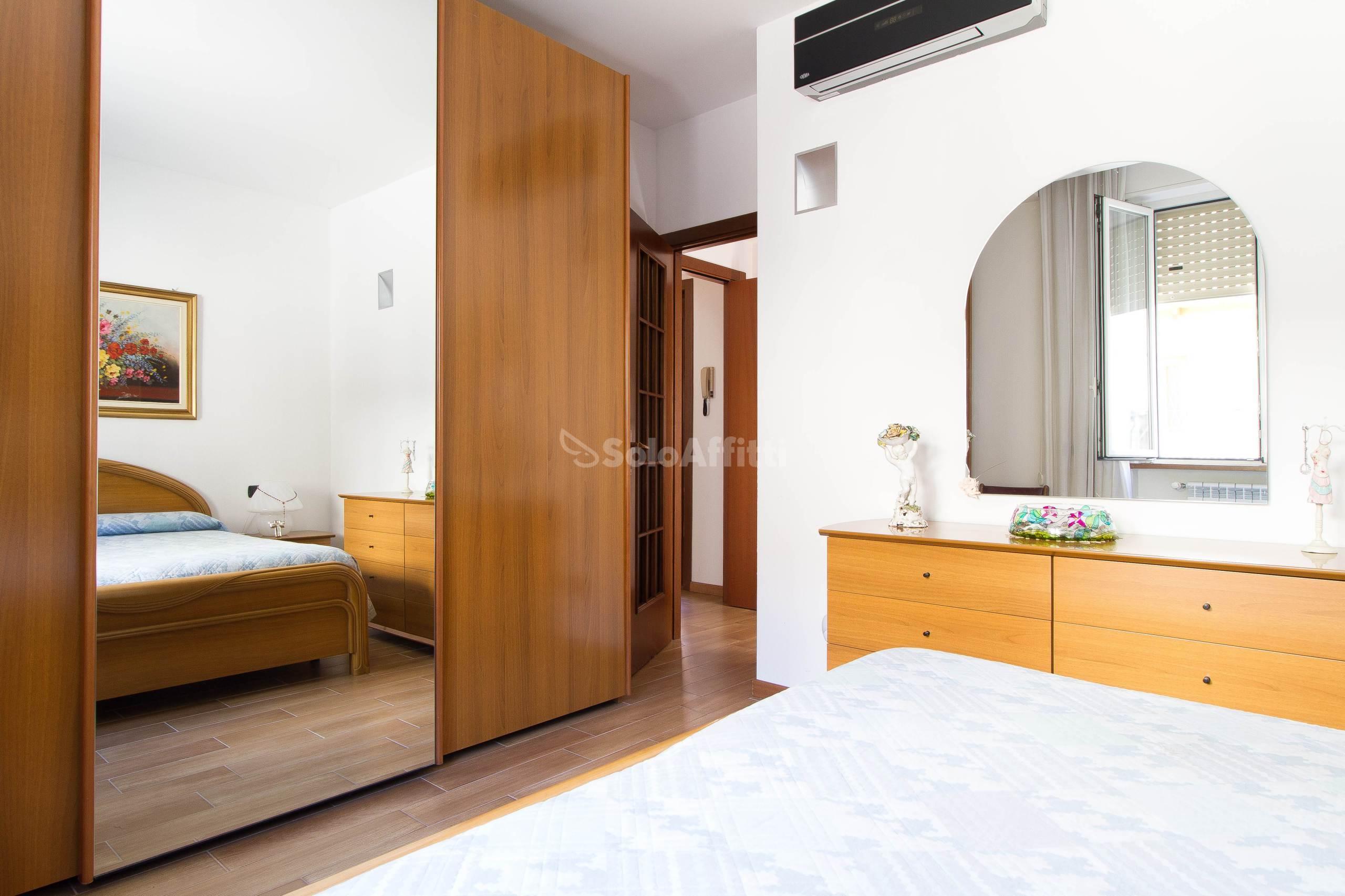 Affitto appartamento bilocale arredato 75 mq for Affitto cassano magnago bilocale arredato
