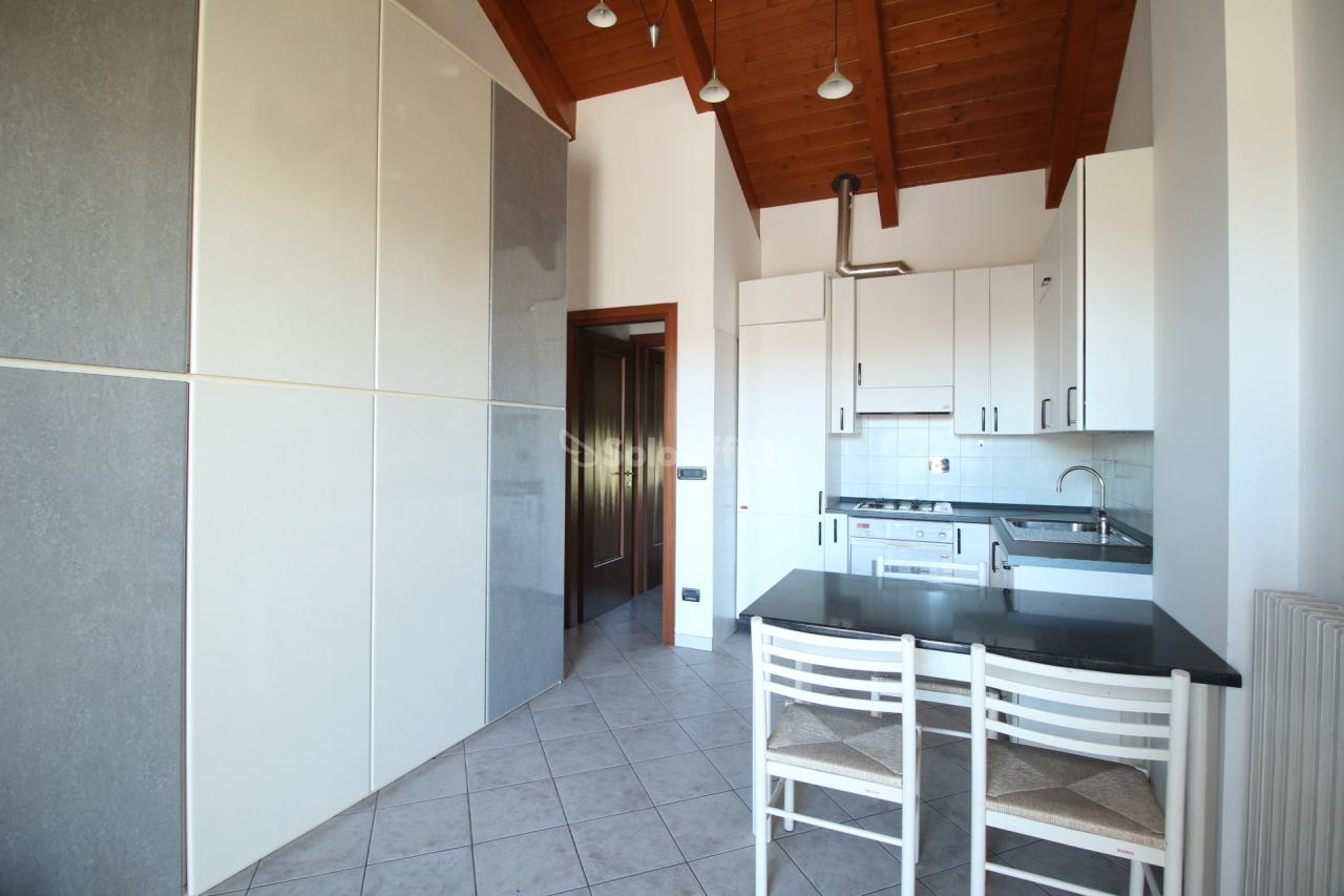 Monolocale in buone condizioni in affitto Rif. 8633098