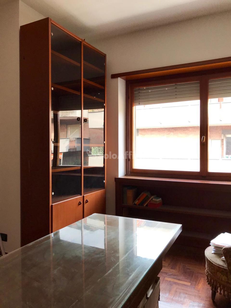 Appartamento in ottime condizioni in affitto Rif. 10253817