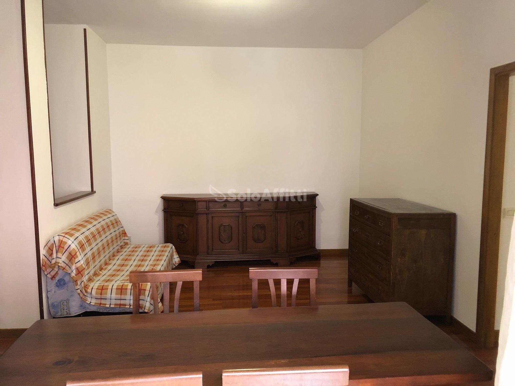 Affitto appartamento trilocale arredato 95 mq for Contratto di locazione appartamento arredato