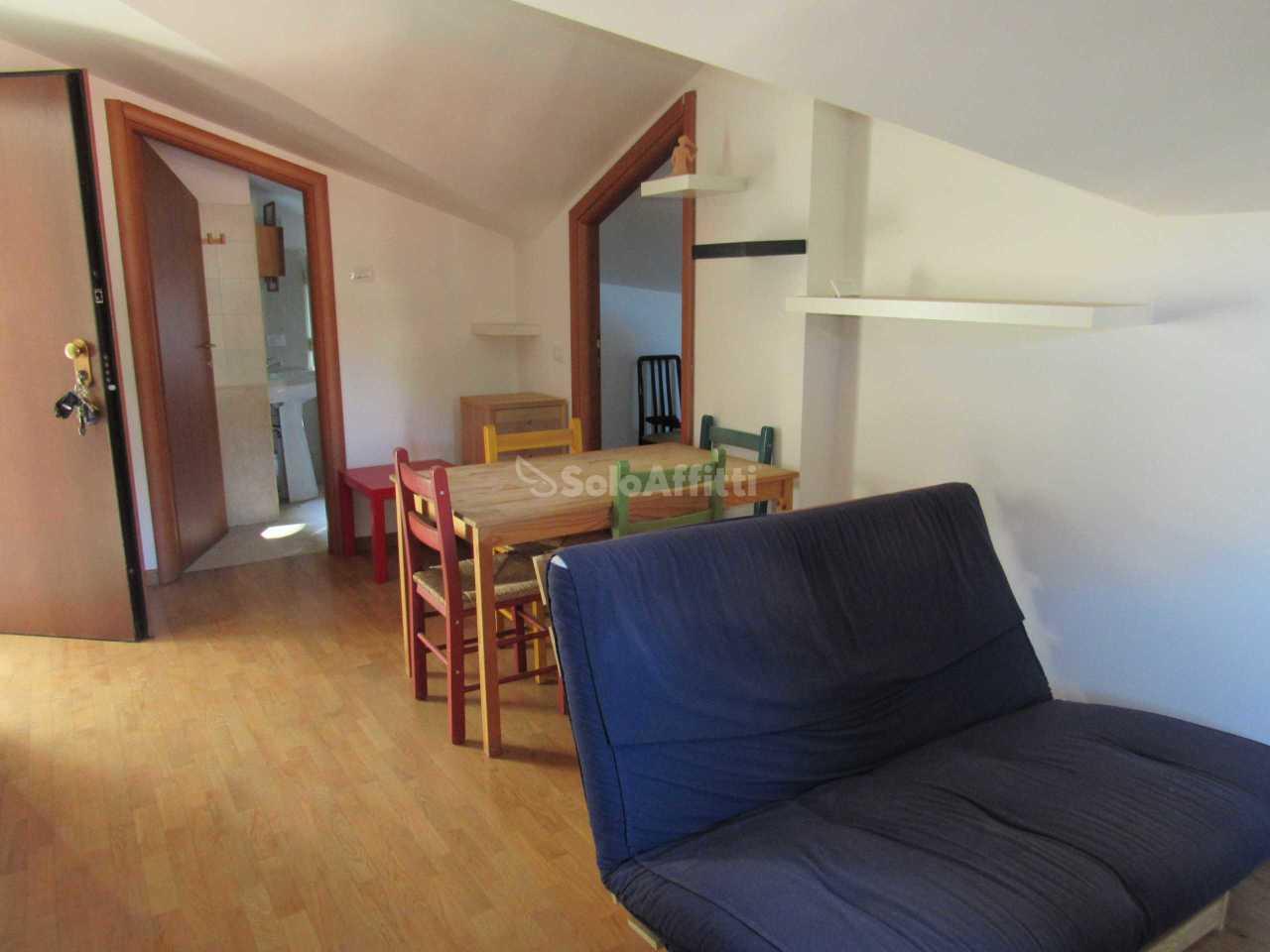Monolocale in ottime condizioni arredato in affitto Rif. 11275074