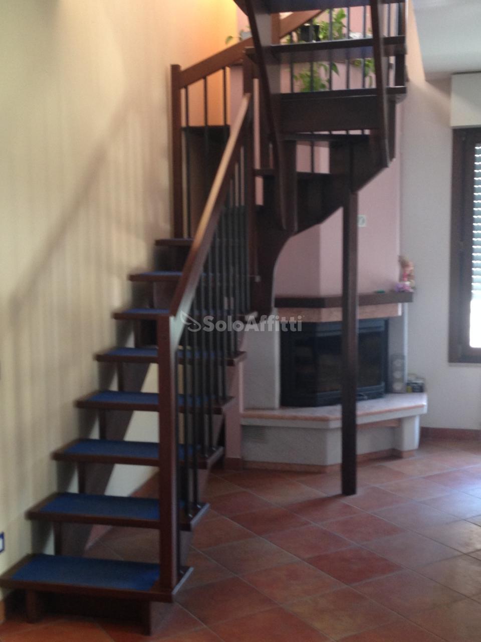 Appartamento in ottime condizioni in affitto Rif. 6192424