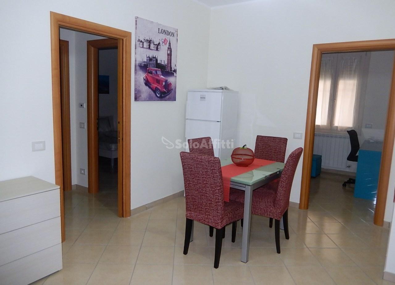 Quadrilocale in ottime condizioni arredato in affitto Rif. 8407199