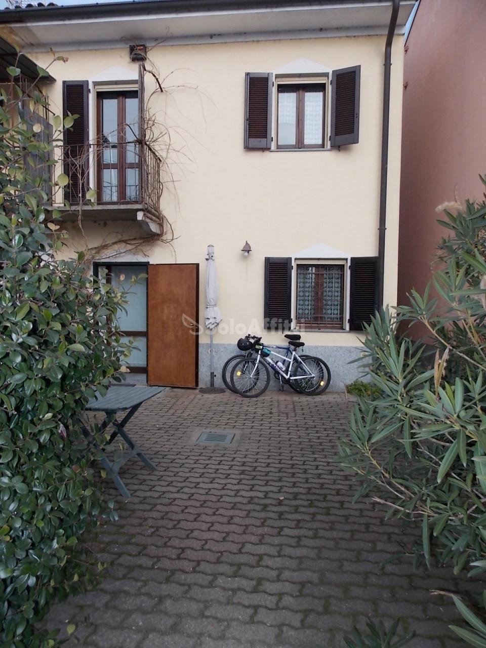 Soluzione Indipendente in affitto a Casalino, 4 locali, prezzo € 480 | CambioCasa.it