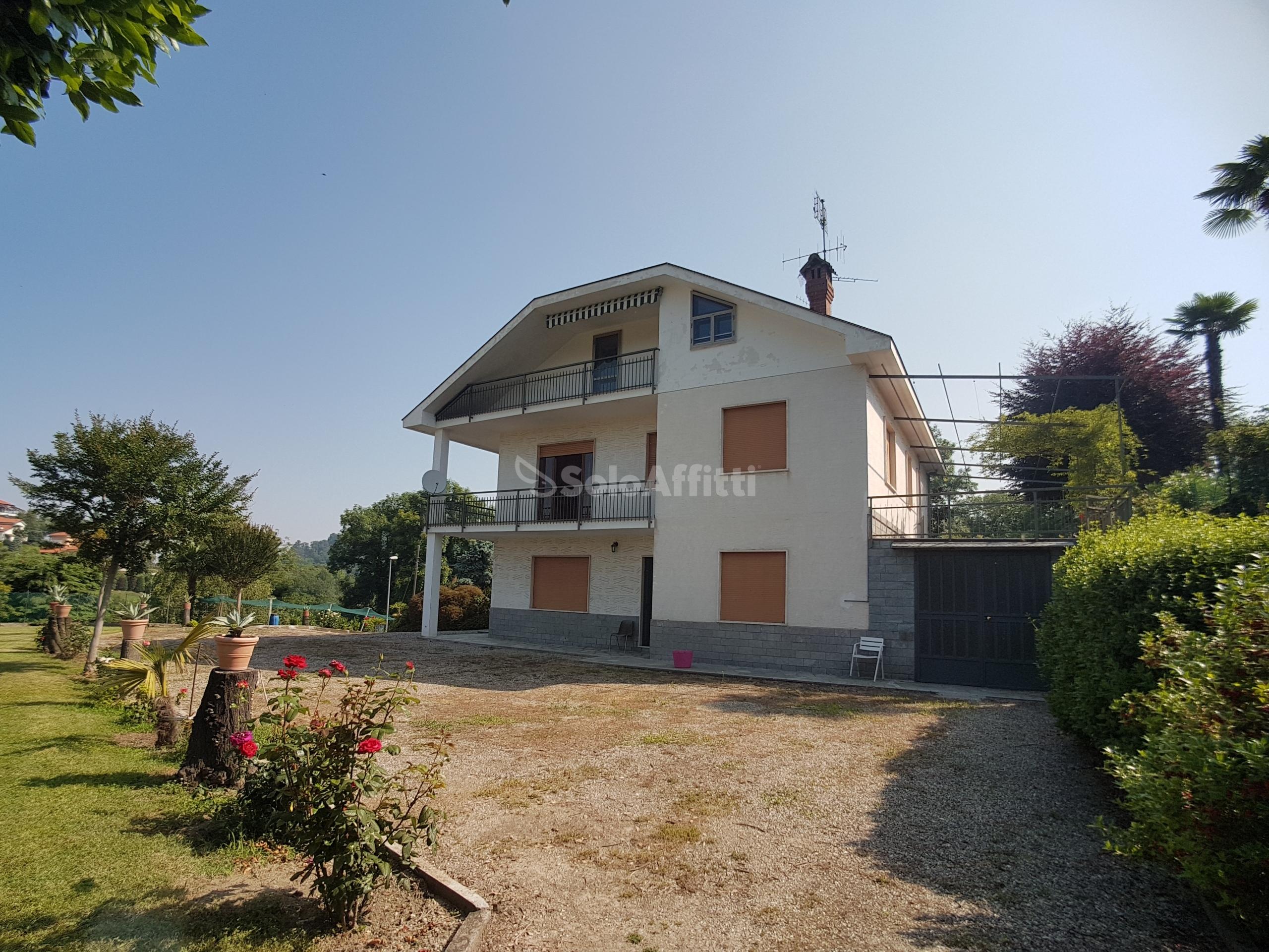 Villa Bifamiliare 9 vani