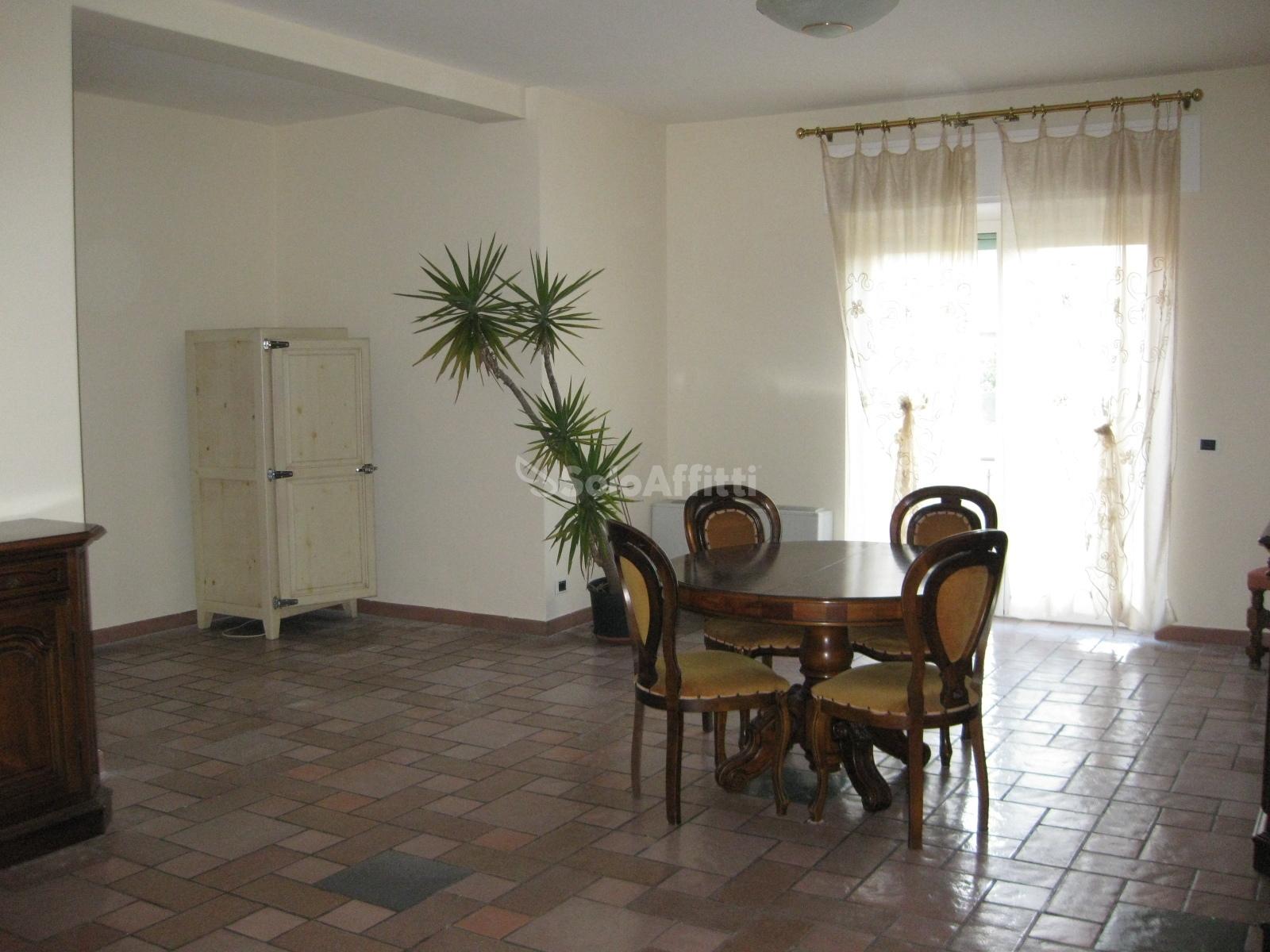 Appartamento Trilocale Arredato 95 mq.