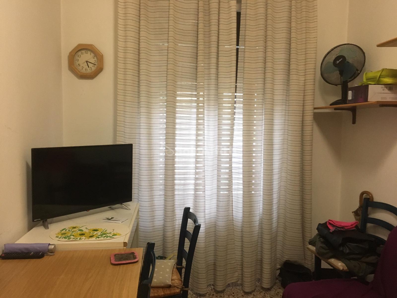 camera lato scrivania.jpg
