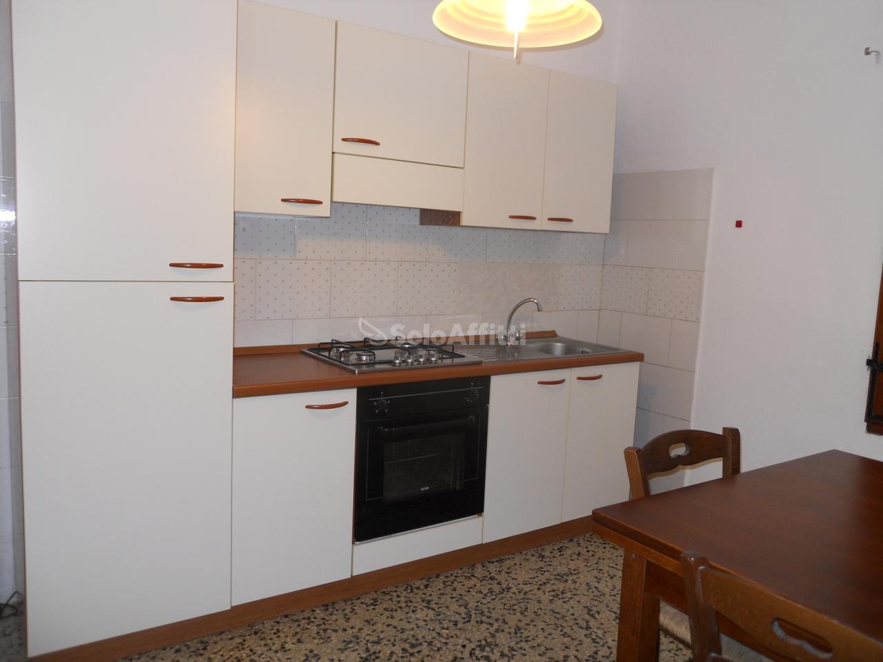Trilocale in ottime condizioni arredato in affitto Rif. 8149462