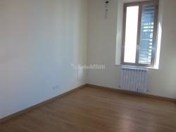 Ufficio in Affitto a Modena, 750€, 80 m²