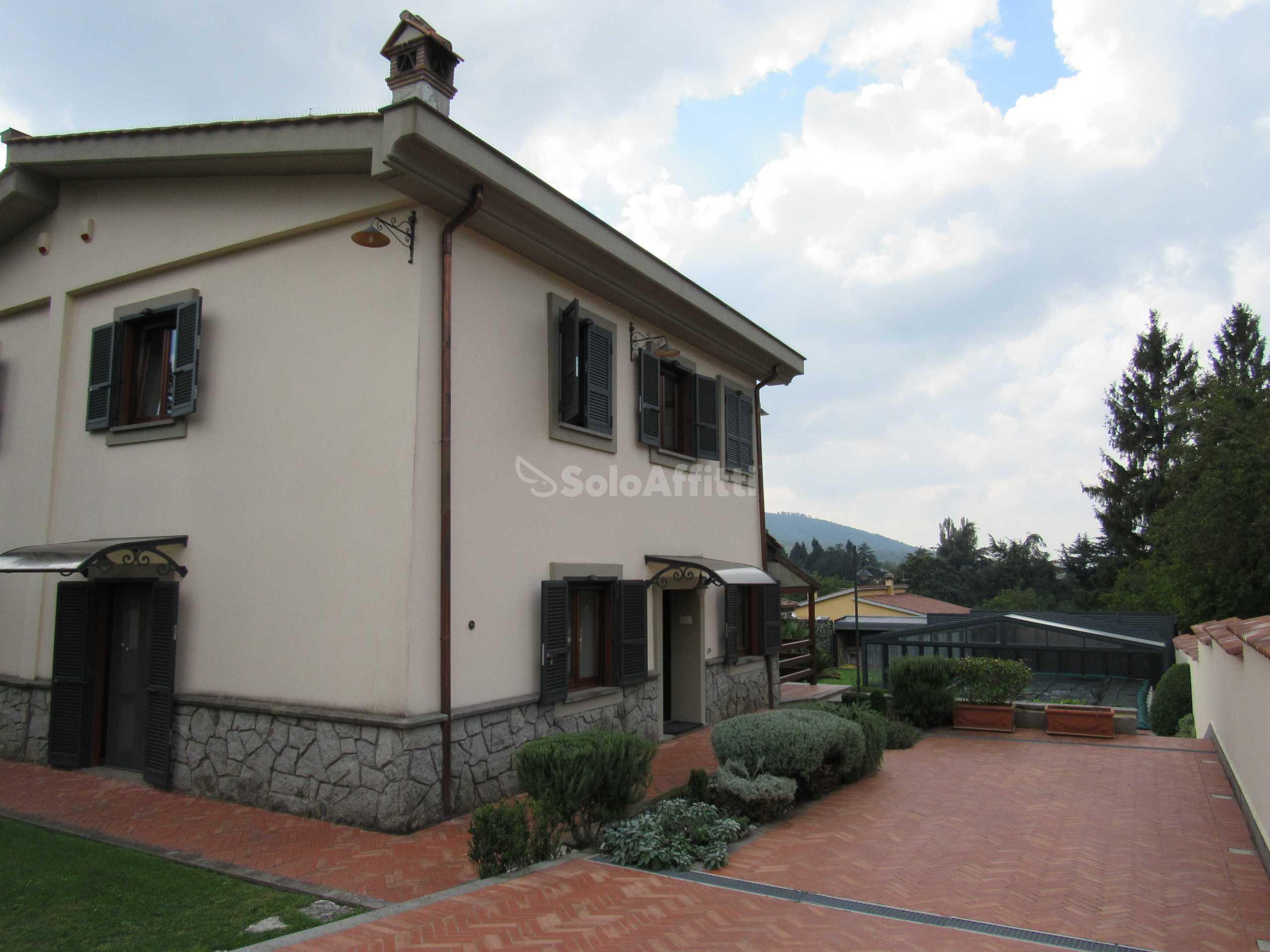 Villa Bifamiliare Arredato 5 vani