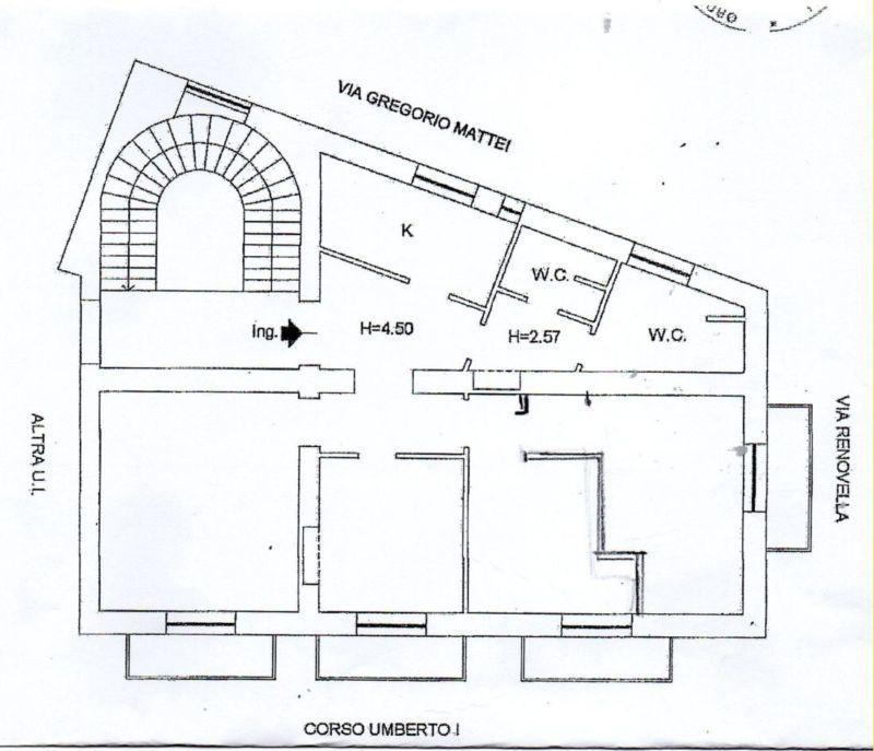 Ufficio - oltre 4 locali a Pendino, Napoli Rif. 10894434