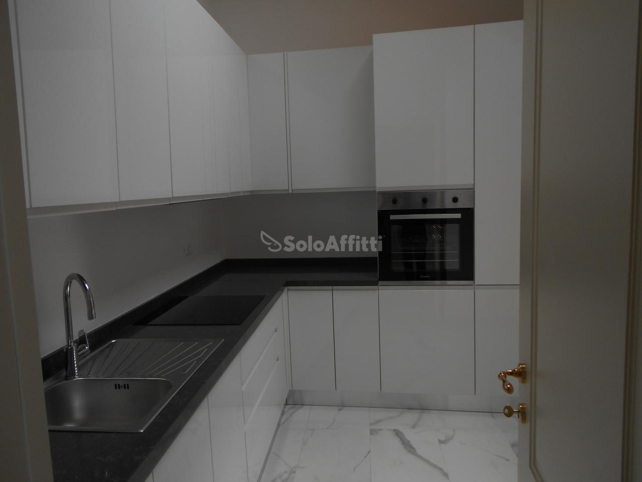 Appartamento in affitto a Como, 3 locali, prezzo € 1.600 | PortaleAgenzieImmobiliari.it