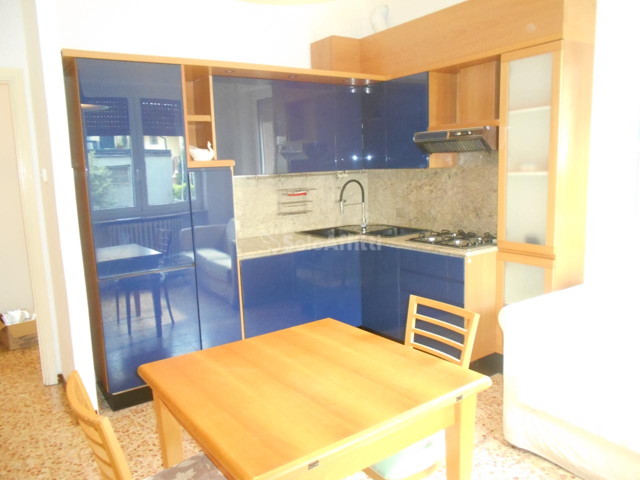 Appartamento in affitto a Cantù, 2 locali, prezzo € 480 | PortaleAgenzieImmobiliari.it