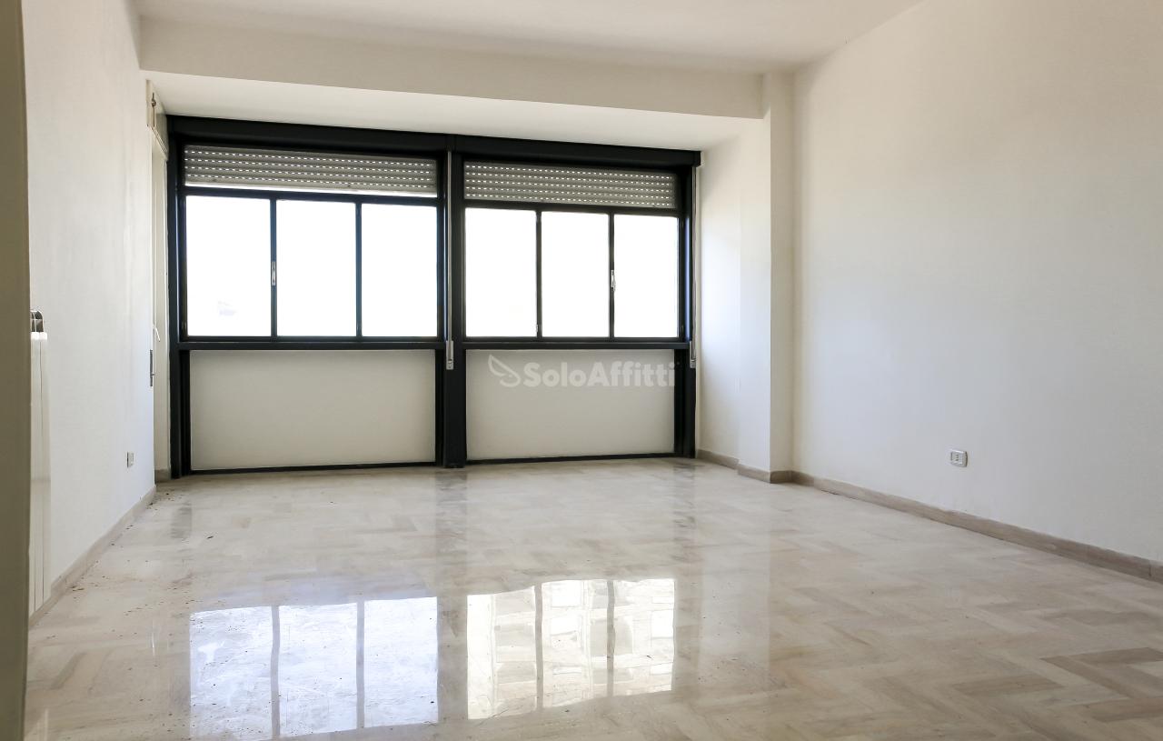 Bilocale da ristrutturare in affitto Rif. 9505609