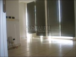 Ufficio in Affitto a Modena, zona Madonnina, 1'000€, 110 m²