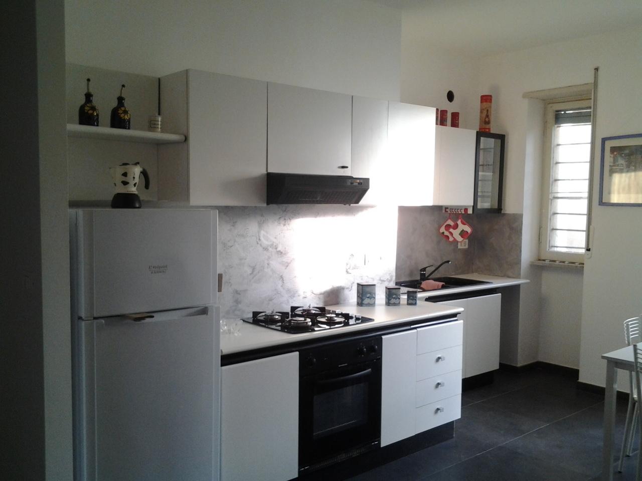 Bilocale in buone condizioni arredato in affitto Rif. 8633097
