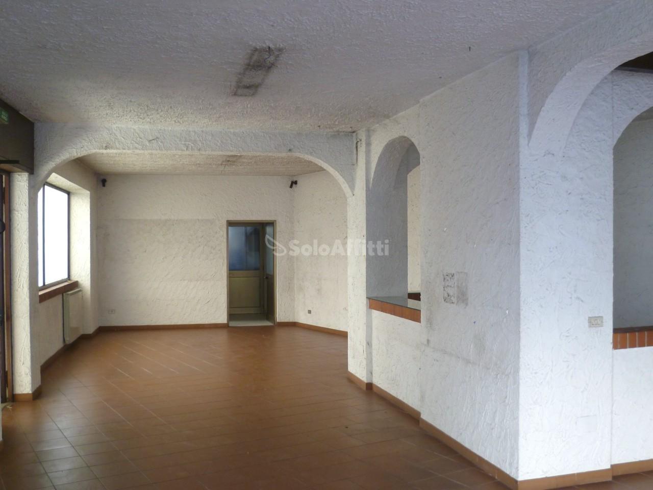 Fondo/negozio - 3 vetrine/luci a Strambino Rif. 4131835