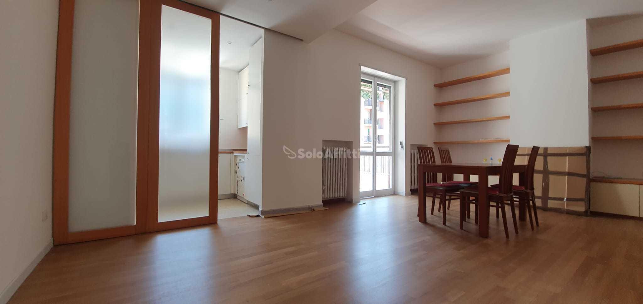 Appartamento Trilocale Arredato 5 vani 95 mq.