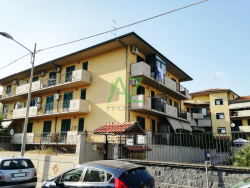 Trilocale in Vendita a Catania, zona Barriera, 155'000€, 111 m²