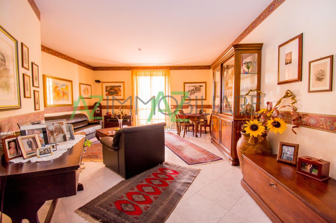 Appartamento in ottime condizioni in vendita Rif. 6275268