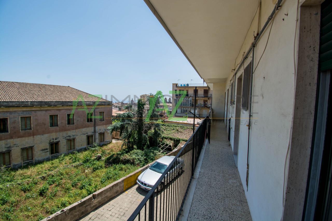 Appartamento in buone condizioni in affitto Rif. 6836708