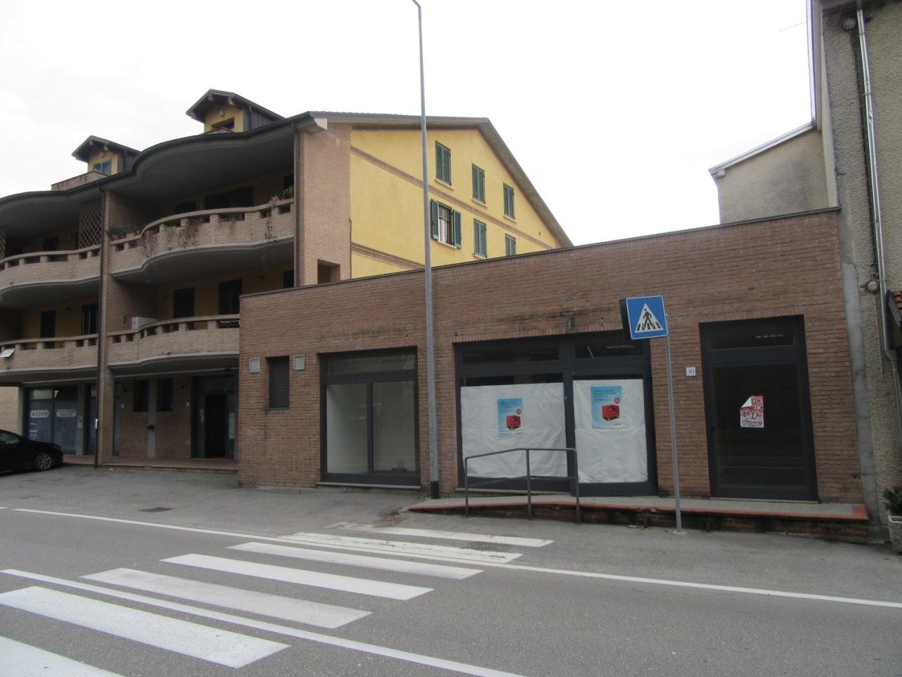 Locale commerciale - 2 Vetrine a Felegara, Medesano Rif. 4142030