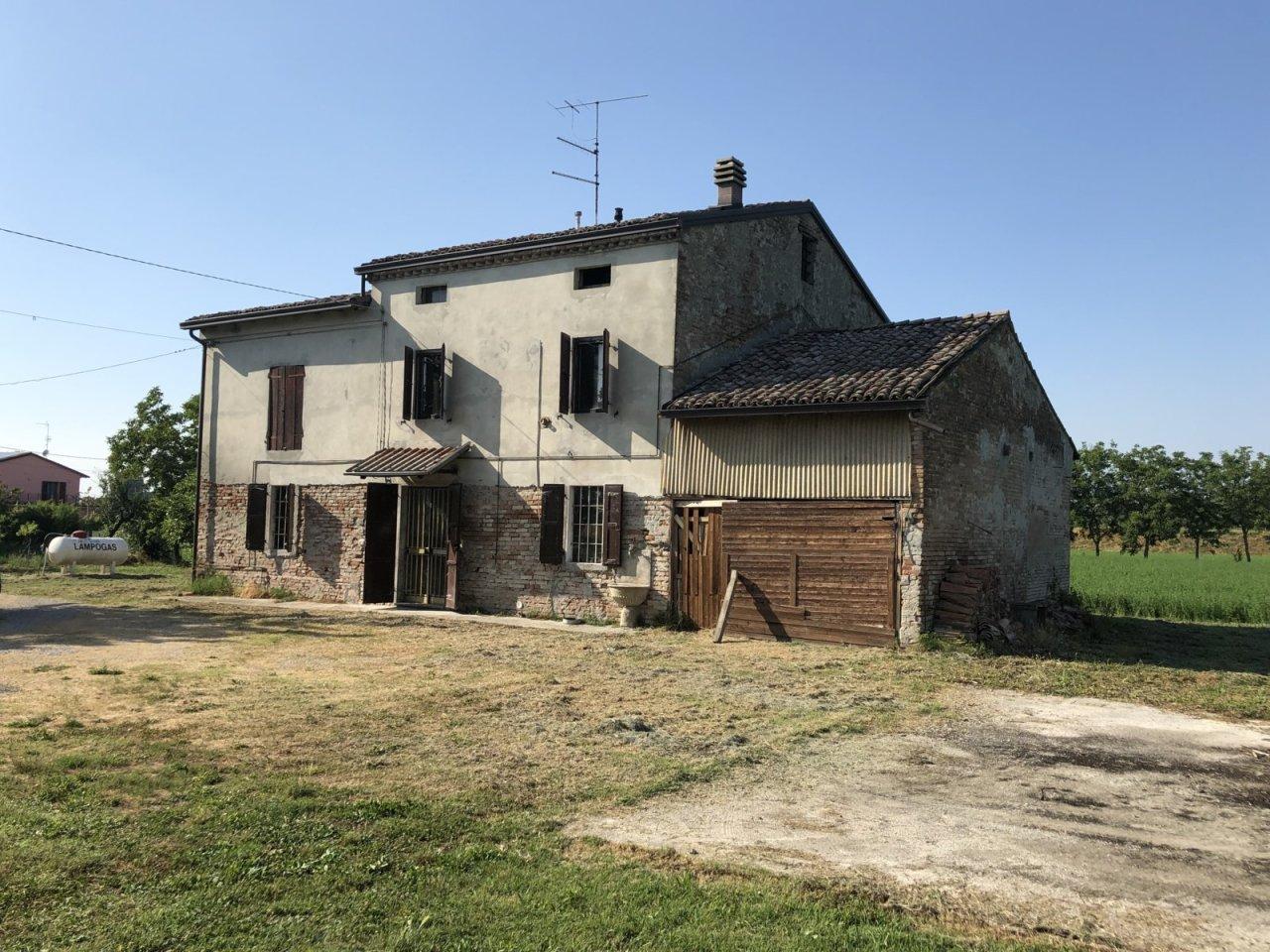 Casa Indipendente in discrete condizioni in vendita Rif. 12201068