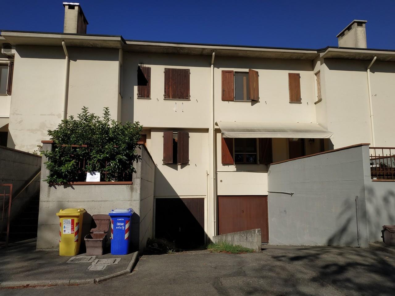 Villetta a schiera in buone condizioni in vendita Rif. 8107114