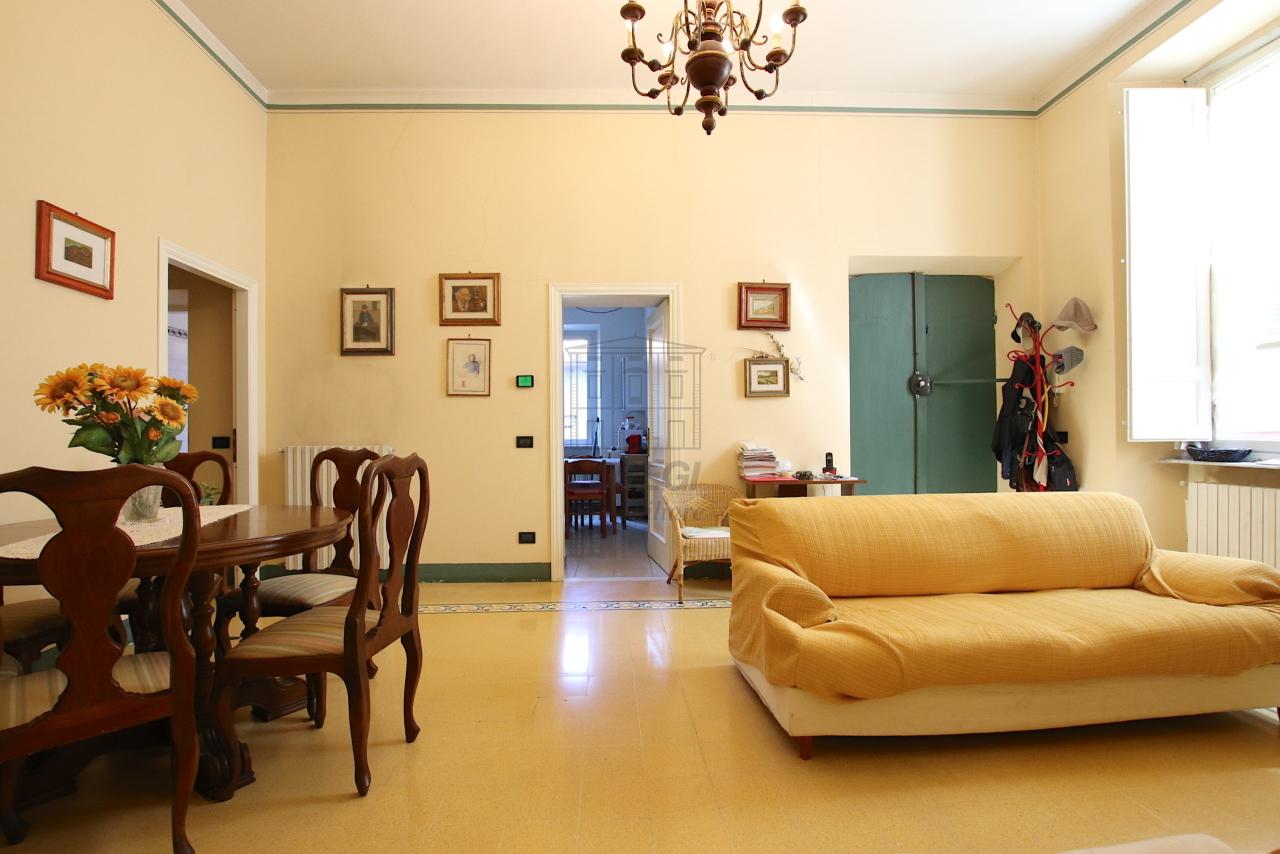 Appartamento Lucca Centro storico IA03526 img 2