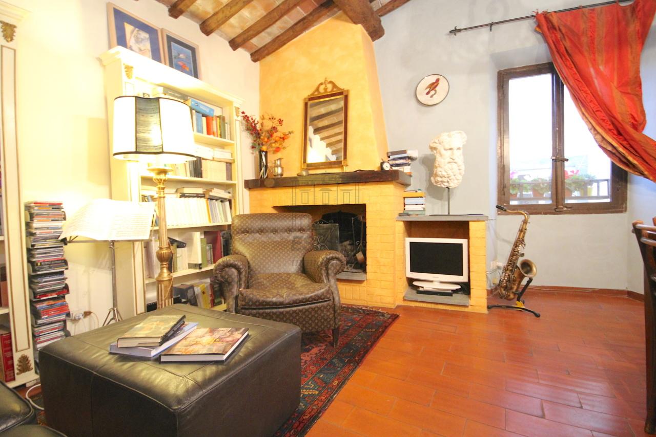 Appartamento Lucca Centro storico IA03457 img 2
