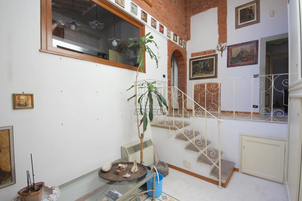 Appartamento Lucca Centro storico IA03358 img 16