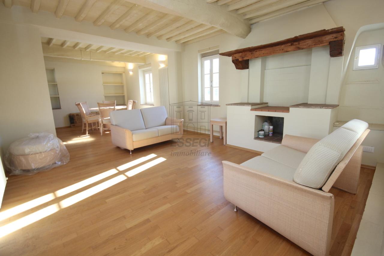 Appartamento Lucca Centro storico IA00611 img 2