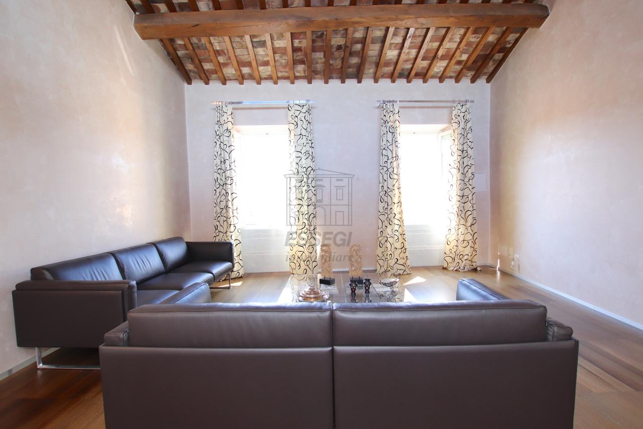 Appartamento Lucca Centro storico IA03502 img 8