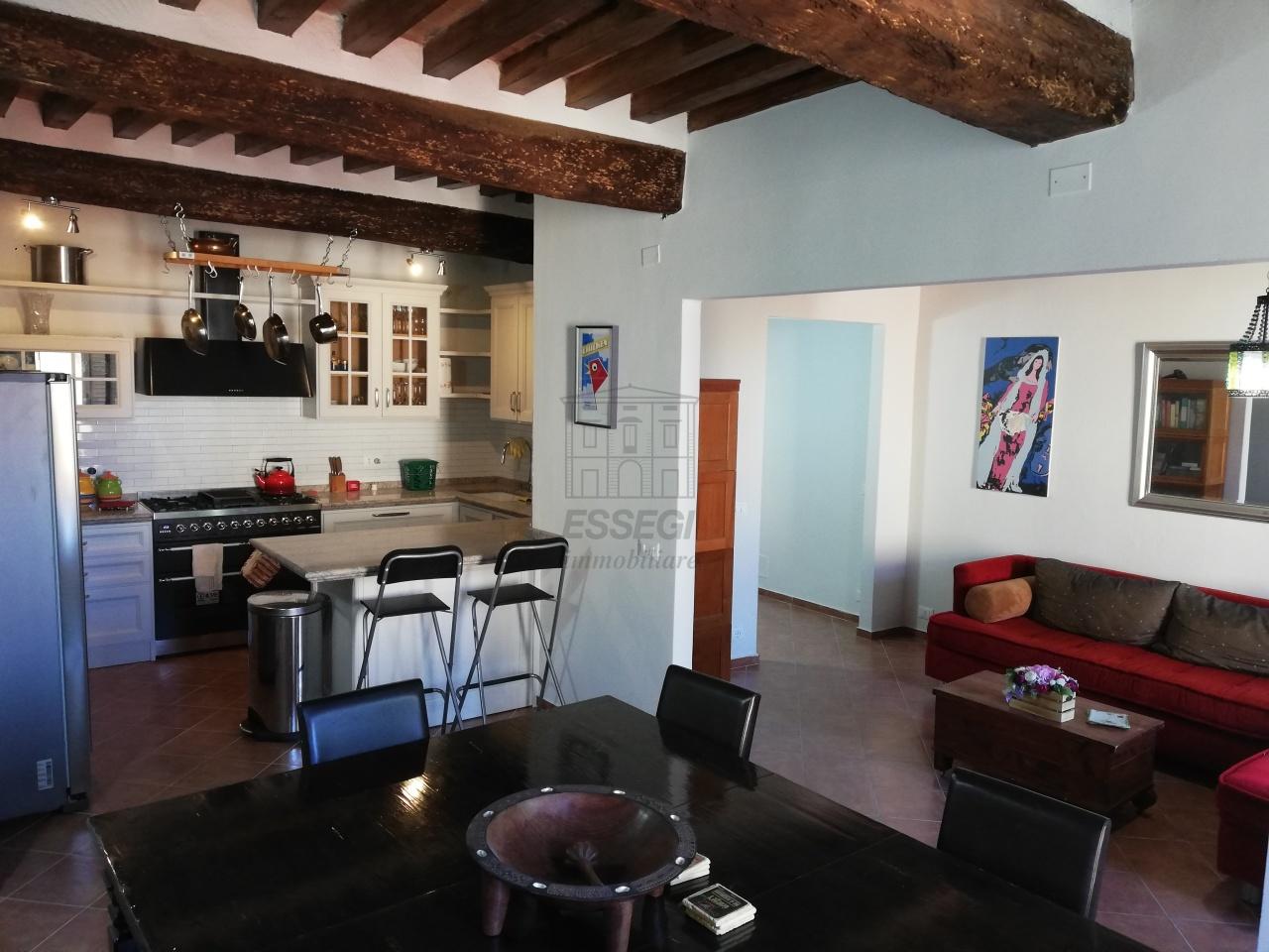 Appartamento Lucca Centro storico IA01844 img 22