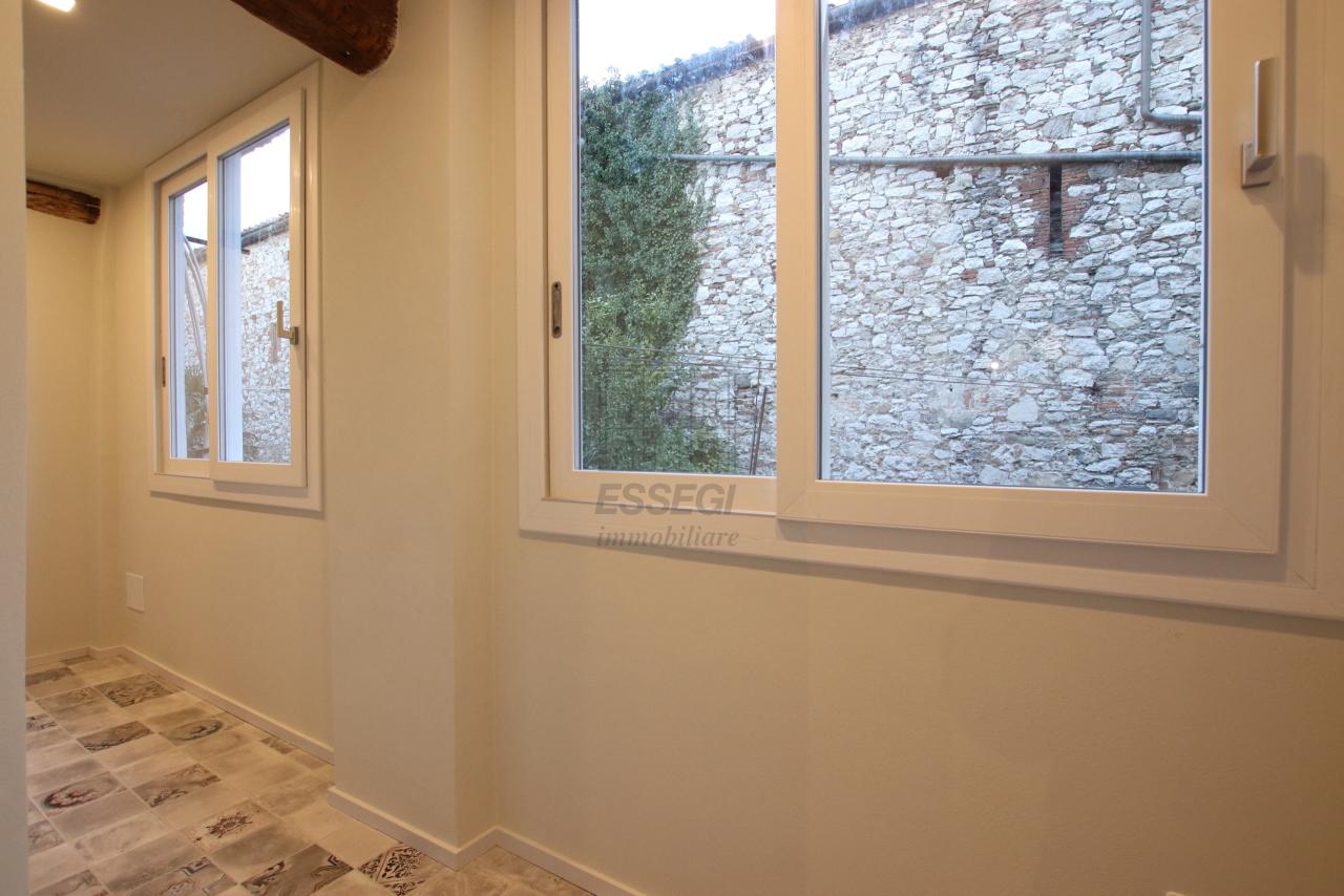 Appartamento Lucca Centro storico IA03520 img 14