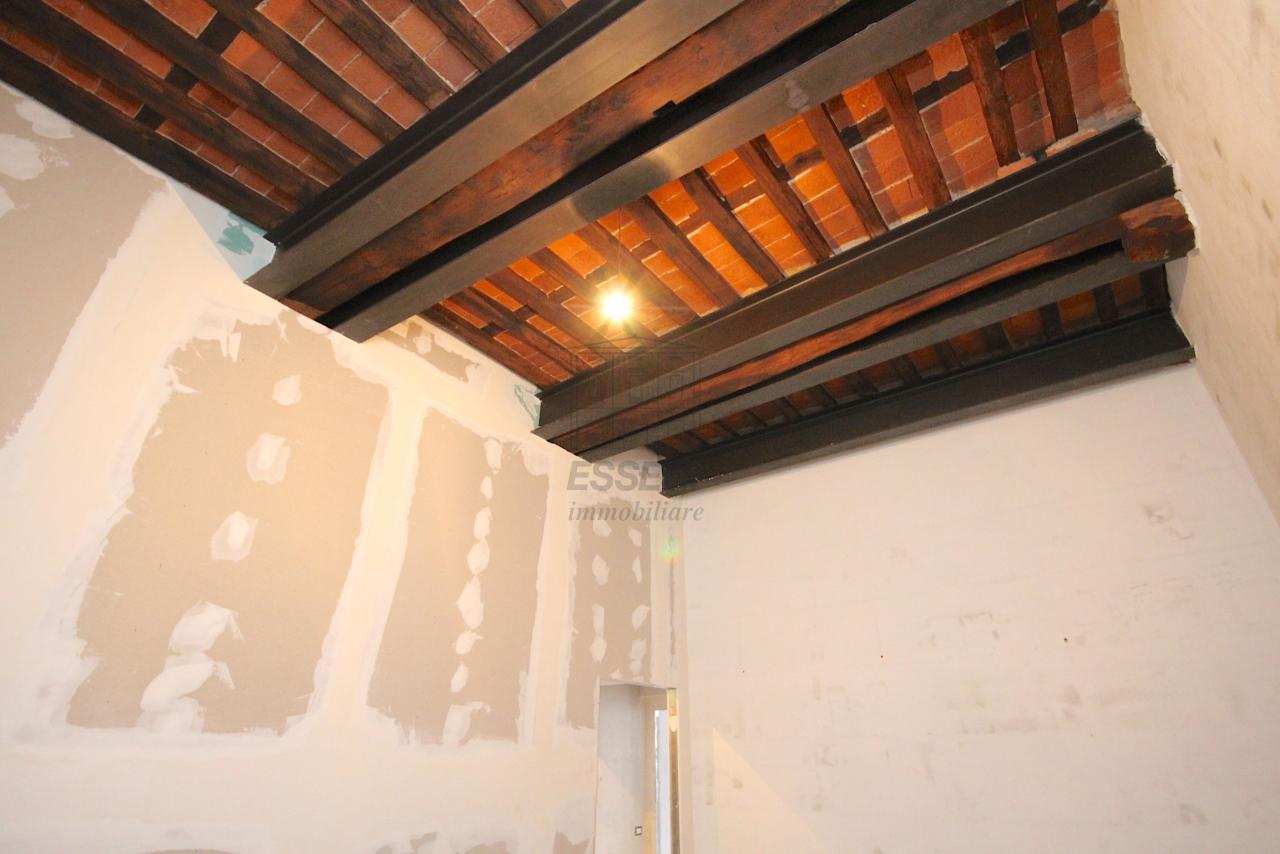 Appartamento Lucca Centro storico IA03452 img 15