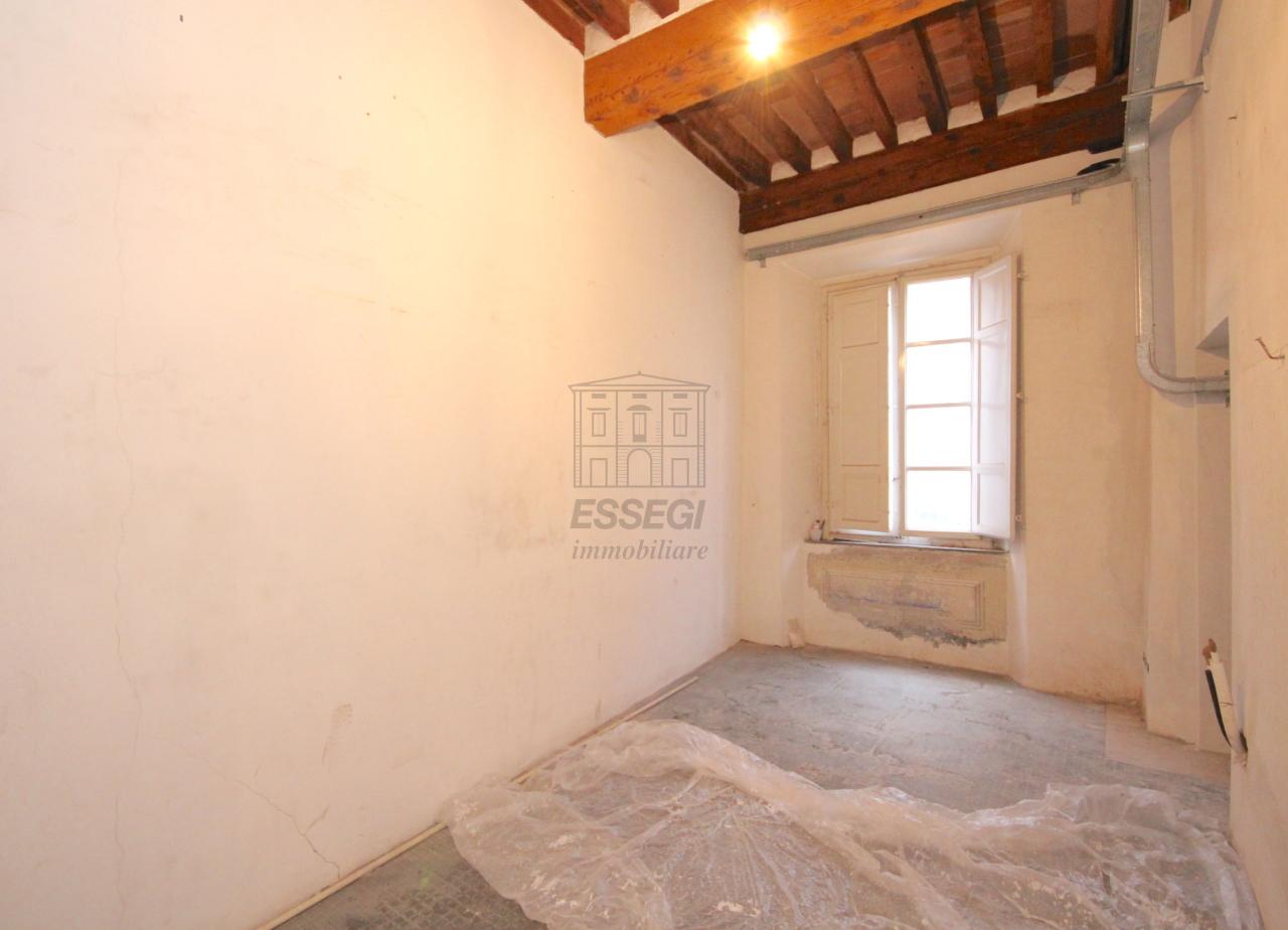 Appartamento Lucca Centro storico IA03452 img 12