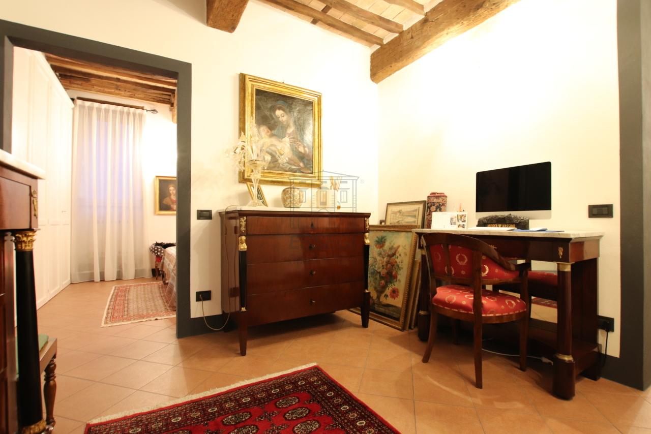 Appartamento Lucca Centro storico IA03524 img 11