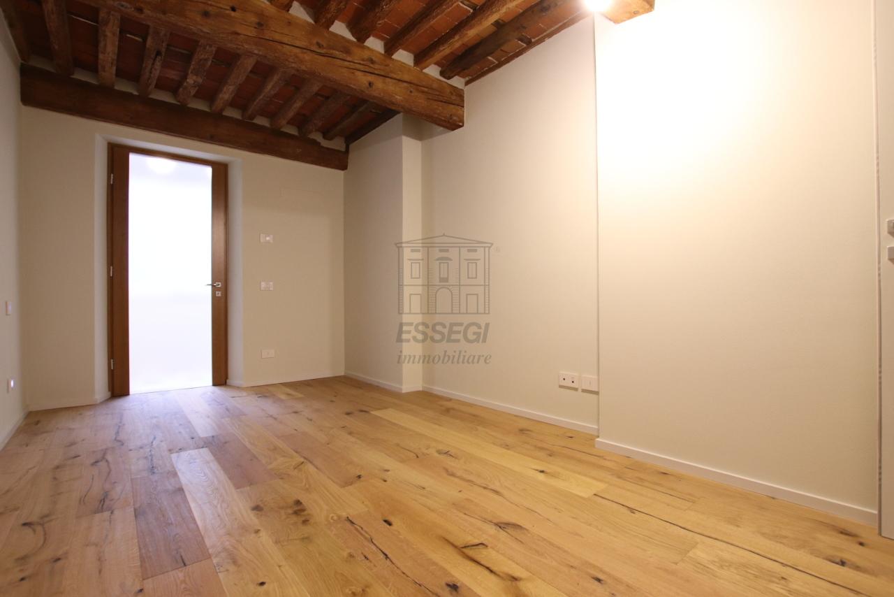 Appartamento Lucca Centro storico IA03520 img 10