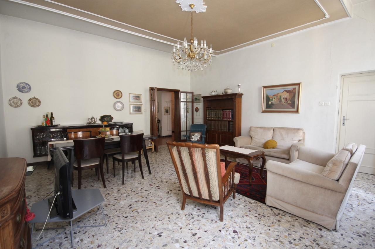 Appartamento Lucca Centro storico IA02899 img 15