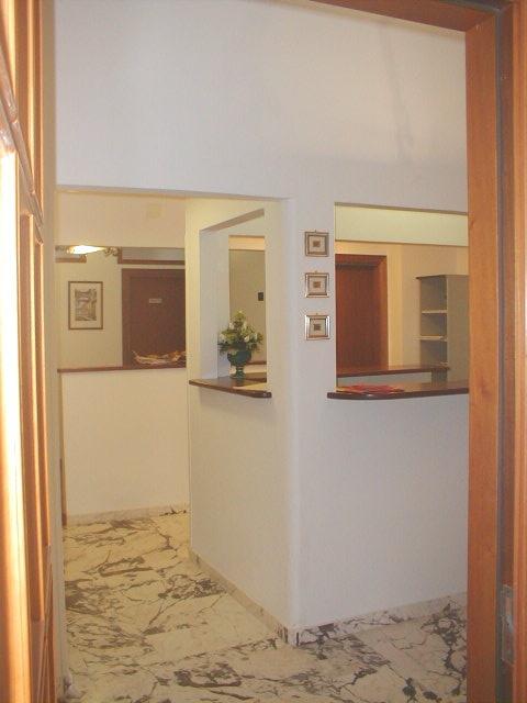 Appartamento in vendita a Reggio Calabria, 4 locali, prezzo € 100.000 | CambioCasa.it